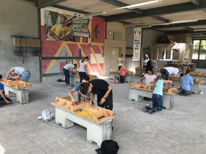 Projekttag der Oberstufe Grüenau in der Maurerlehrhalle